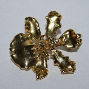 Vintage gold leaf brooch / pendant